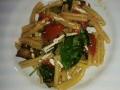 strozzapreti-con-zucchine-datterini-sedano-rapa-e-ricotta-salata
