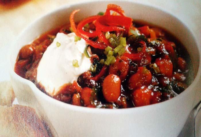 Chili di fagioli e pomodori